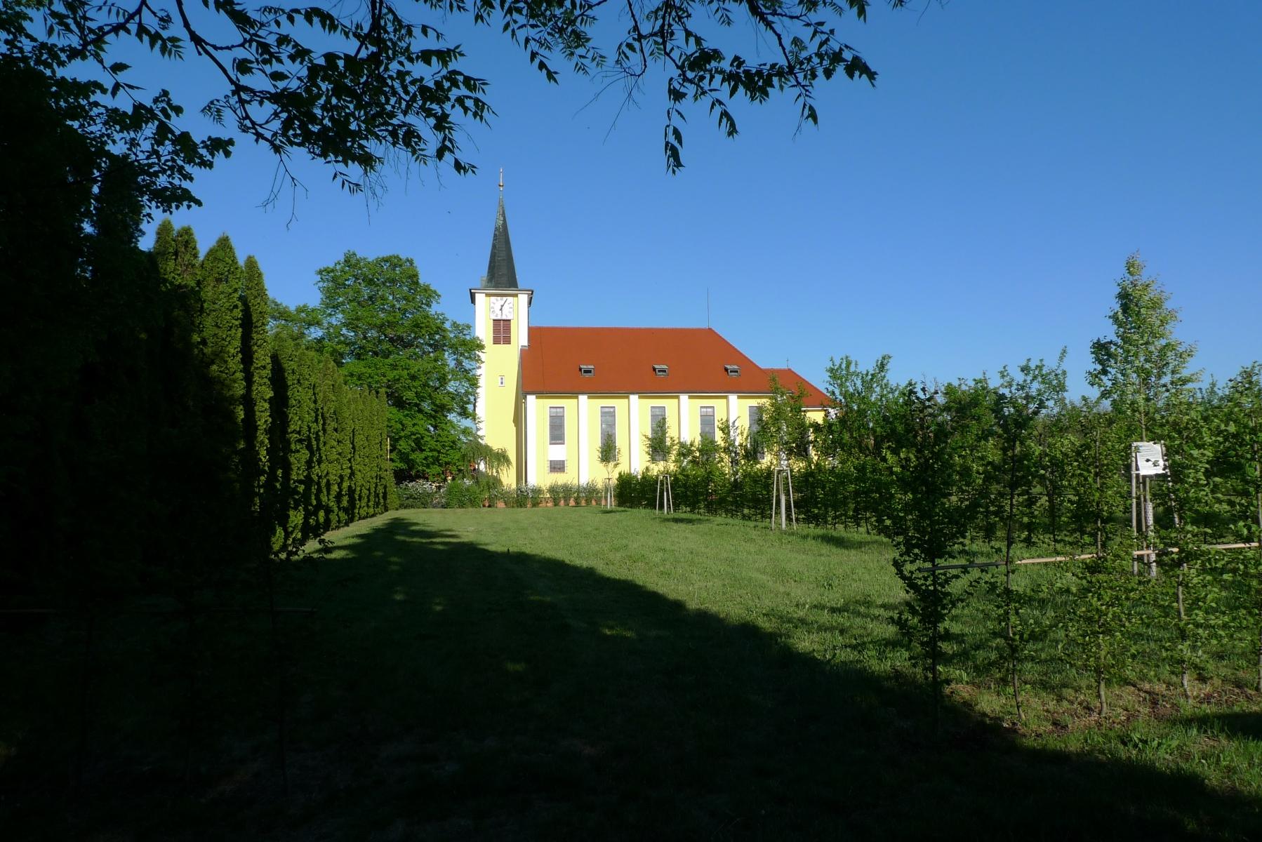 Kostel-a-okolí-11
