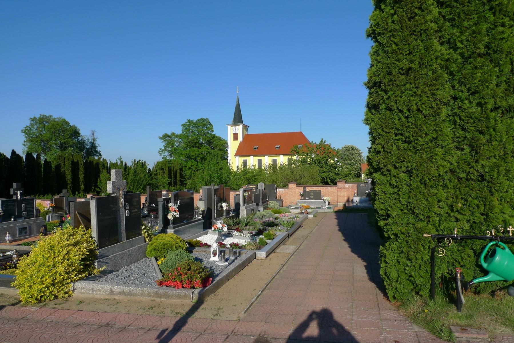 Kostel-a-okolí-19