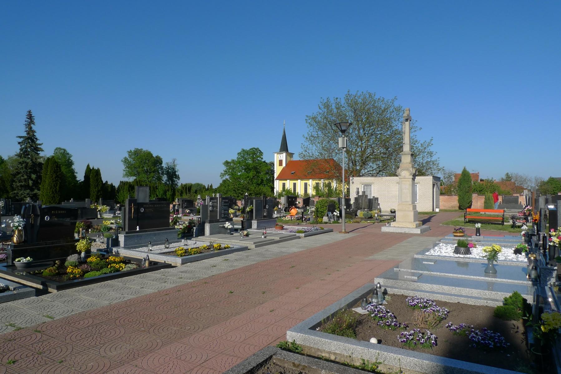 Kostel-a-okolí-23