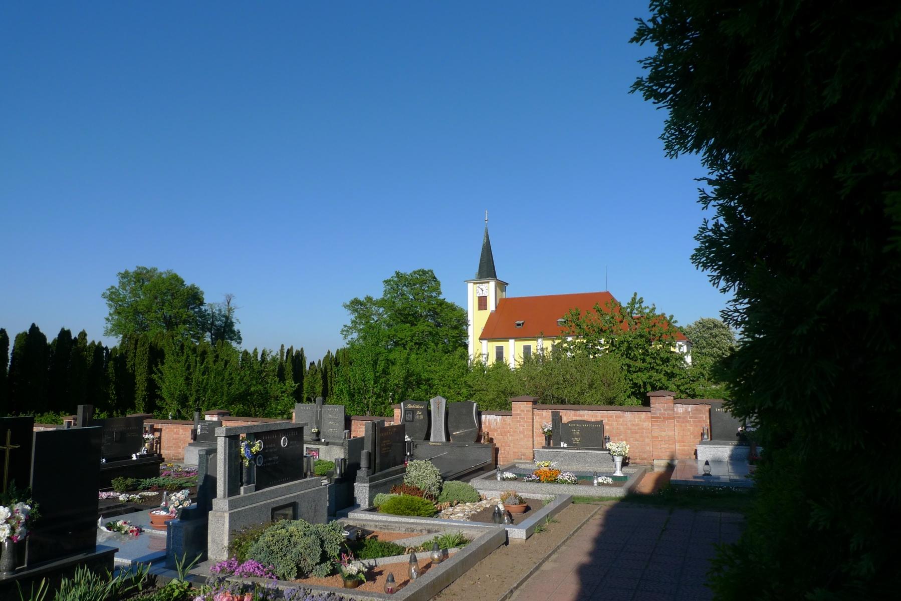 Kostel-a-okolí-38