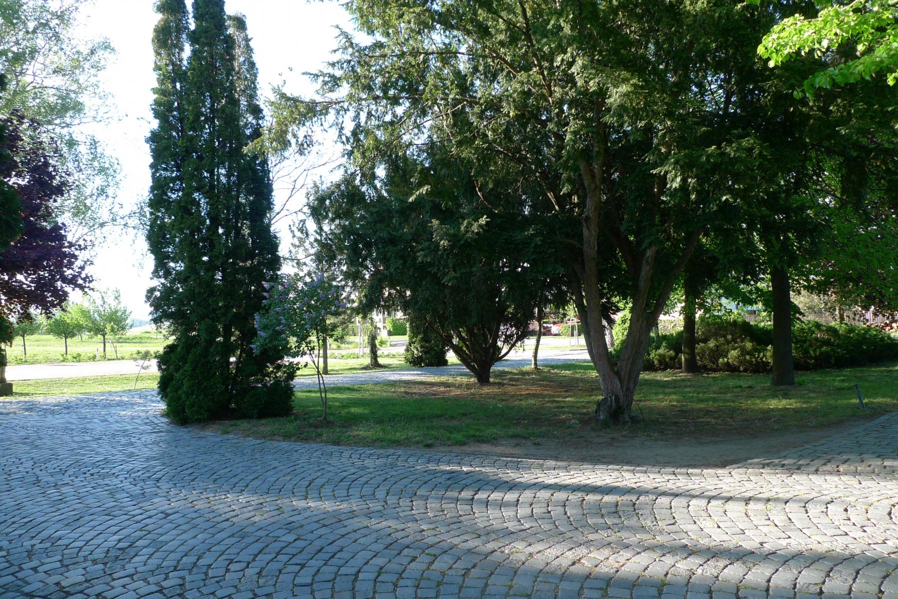 Kostel-a-okolí-4