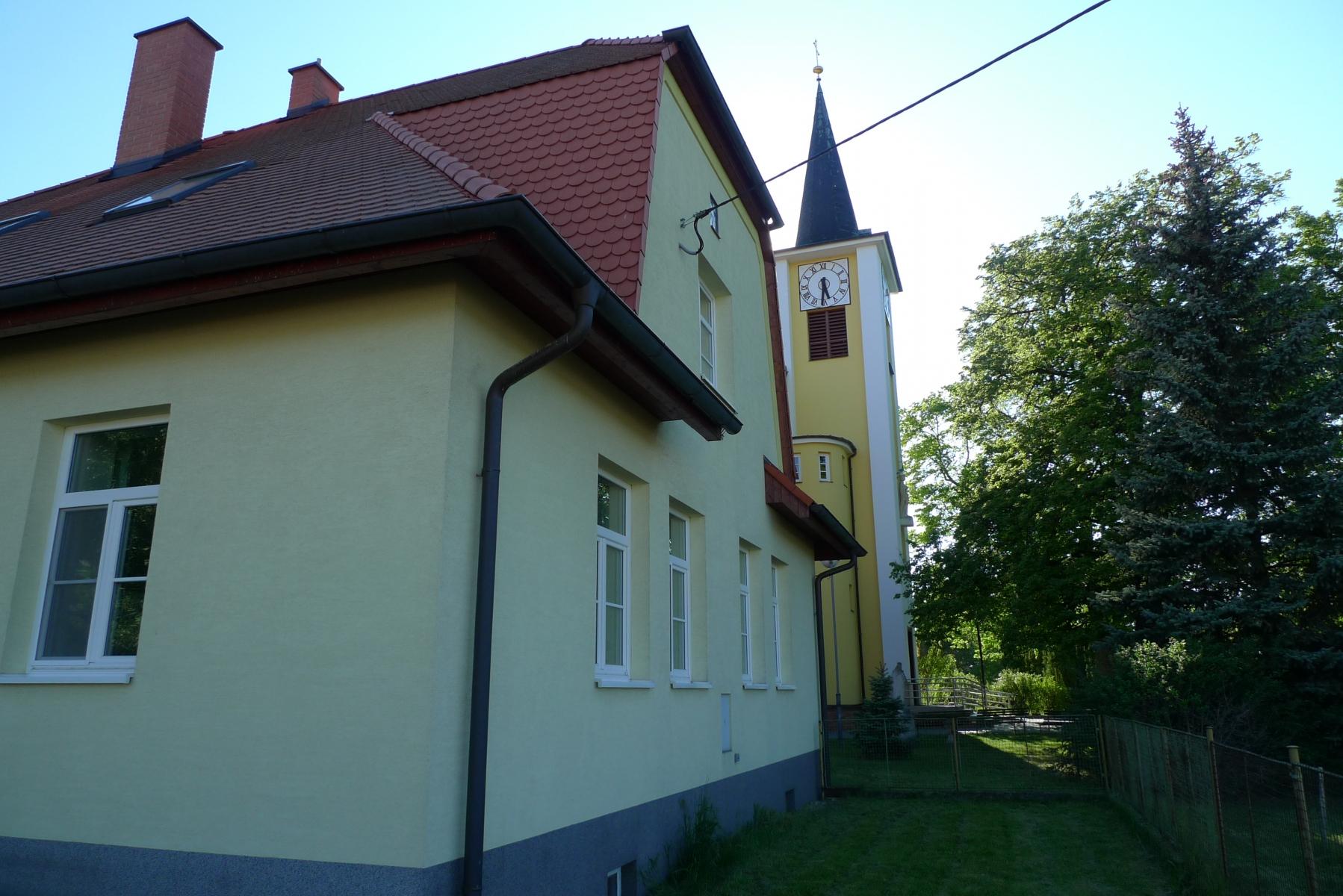 Kostel-a-okolí-40