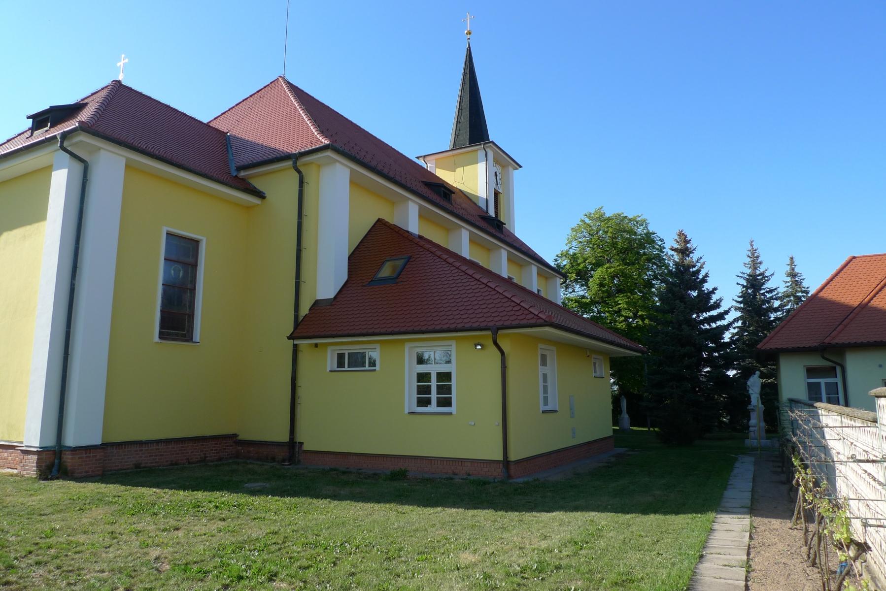 Kostel-a-okolí-50