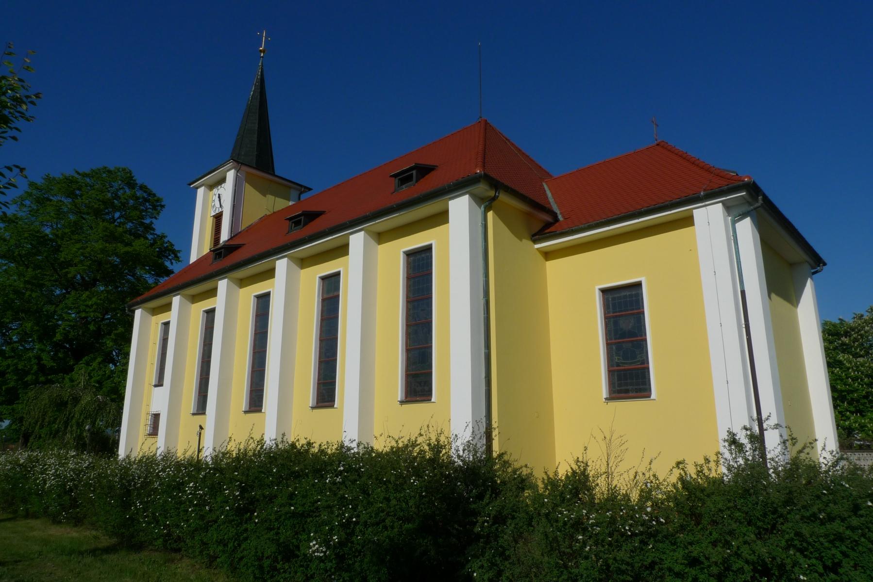 Kostel-a-okolí-57