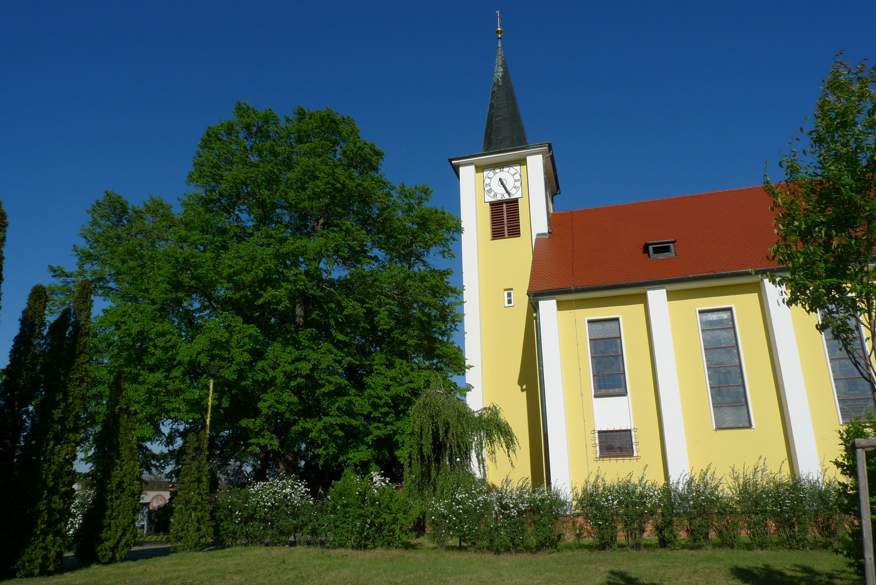Kostel-a-okolí-58