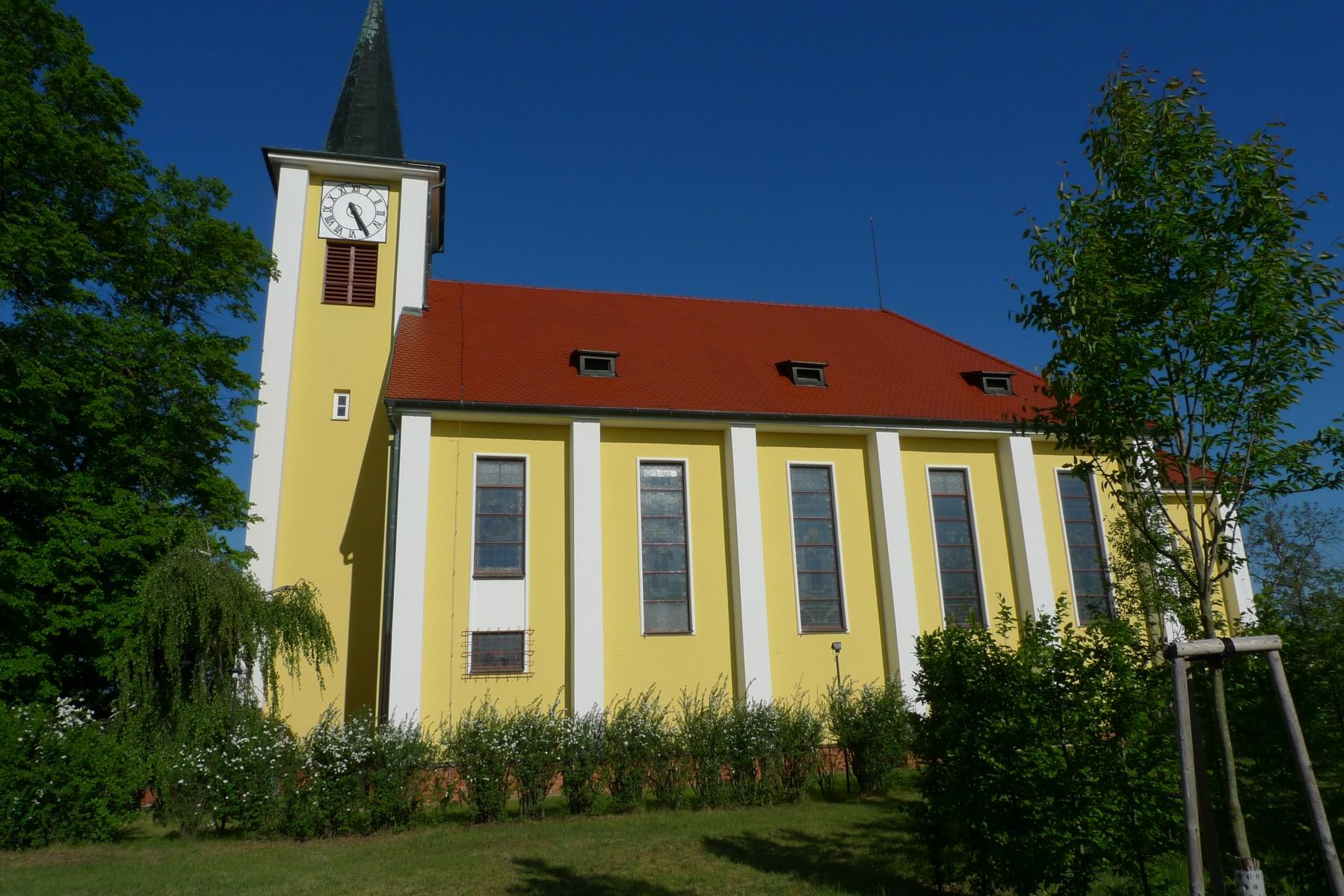 Kostel-a-okolí-59