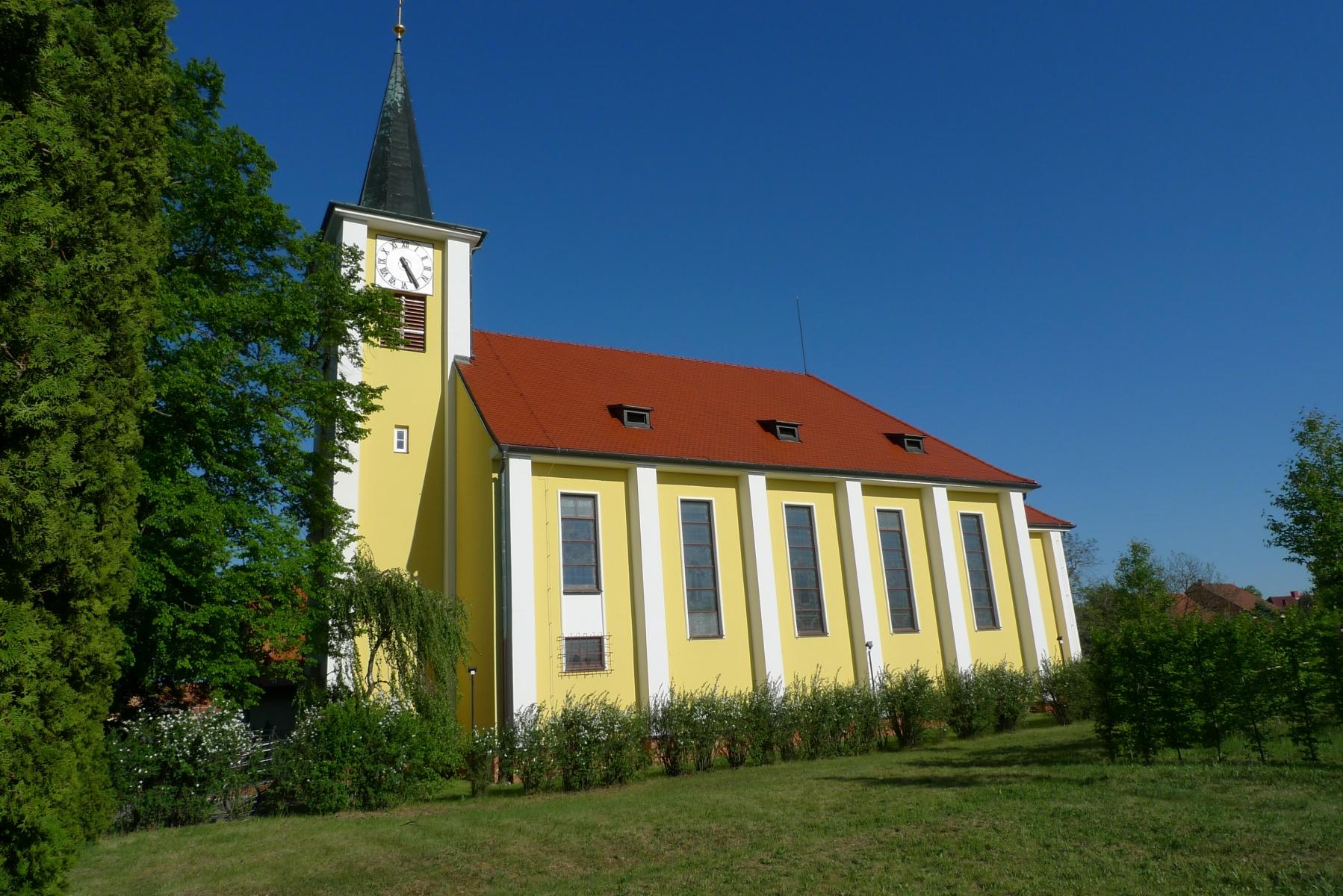 Kostel-a-okolí-60