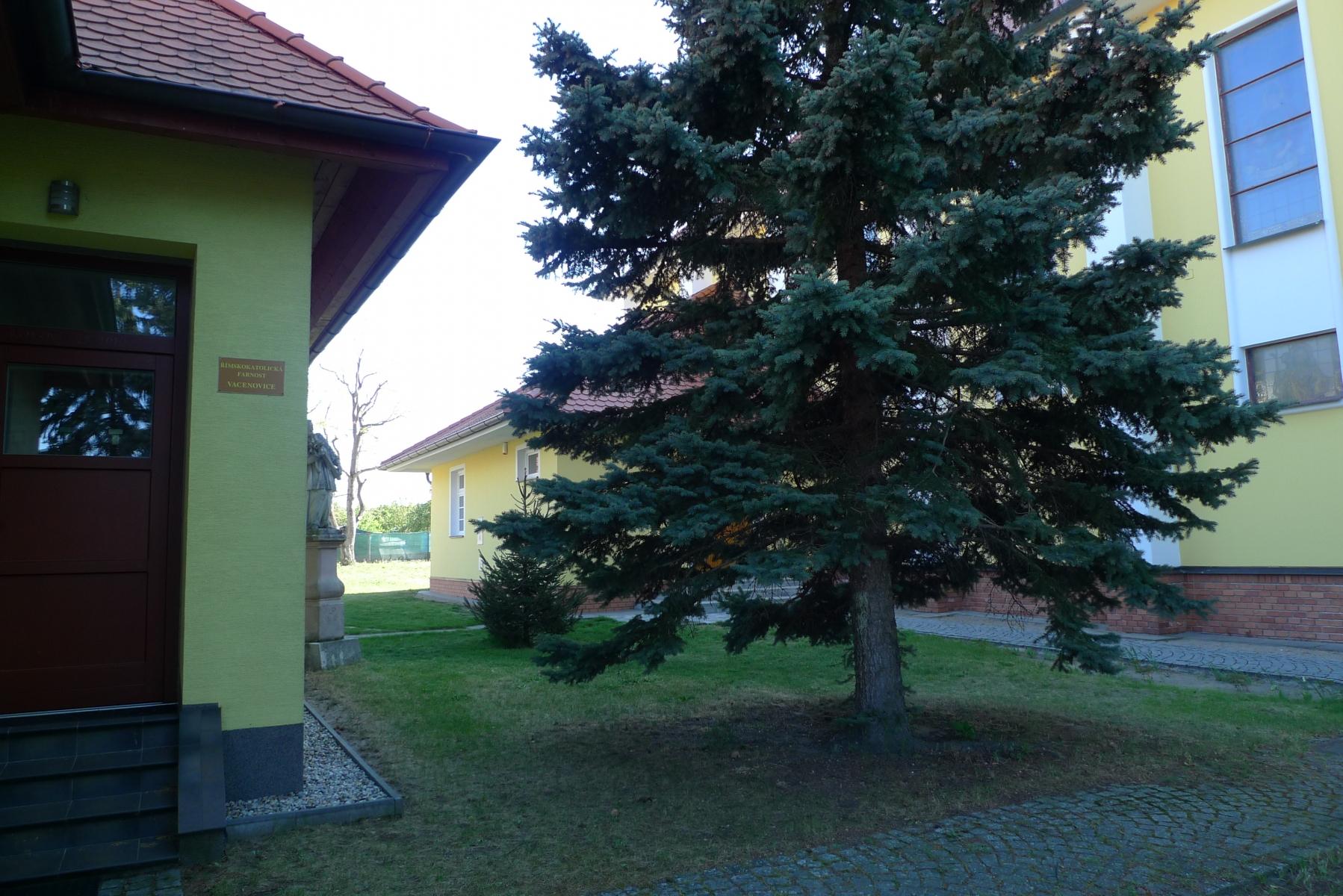 Kostel-a-okolí-62