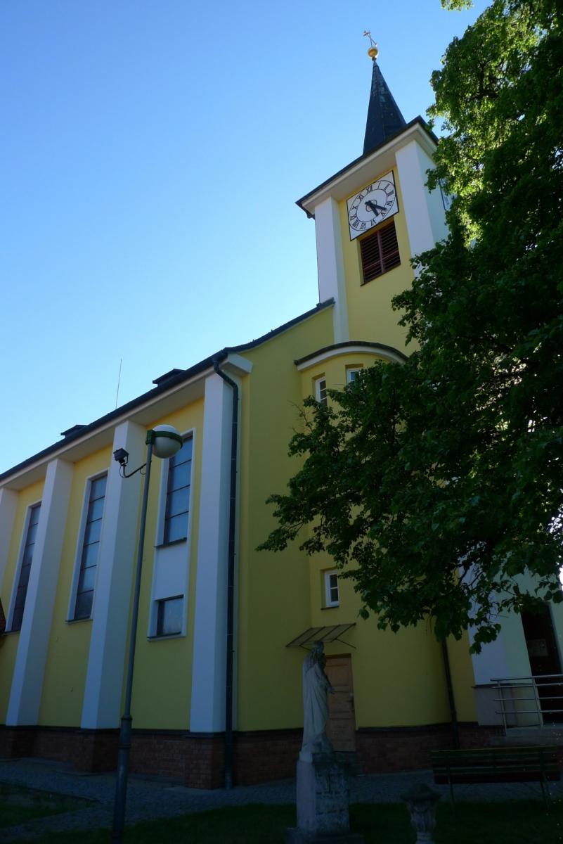 Kostel-a-okolí-66