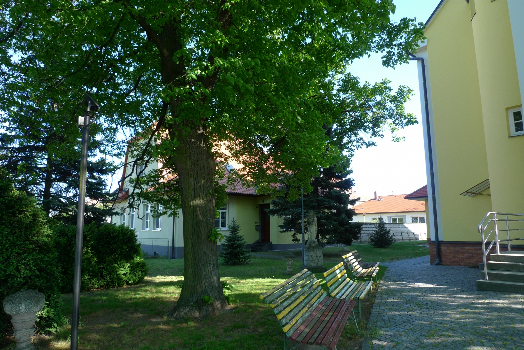 Kostel-a-okolí-72