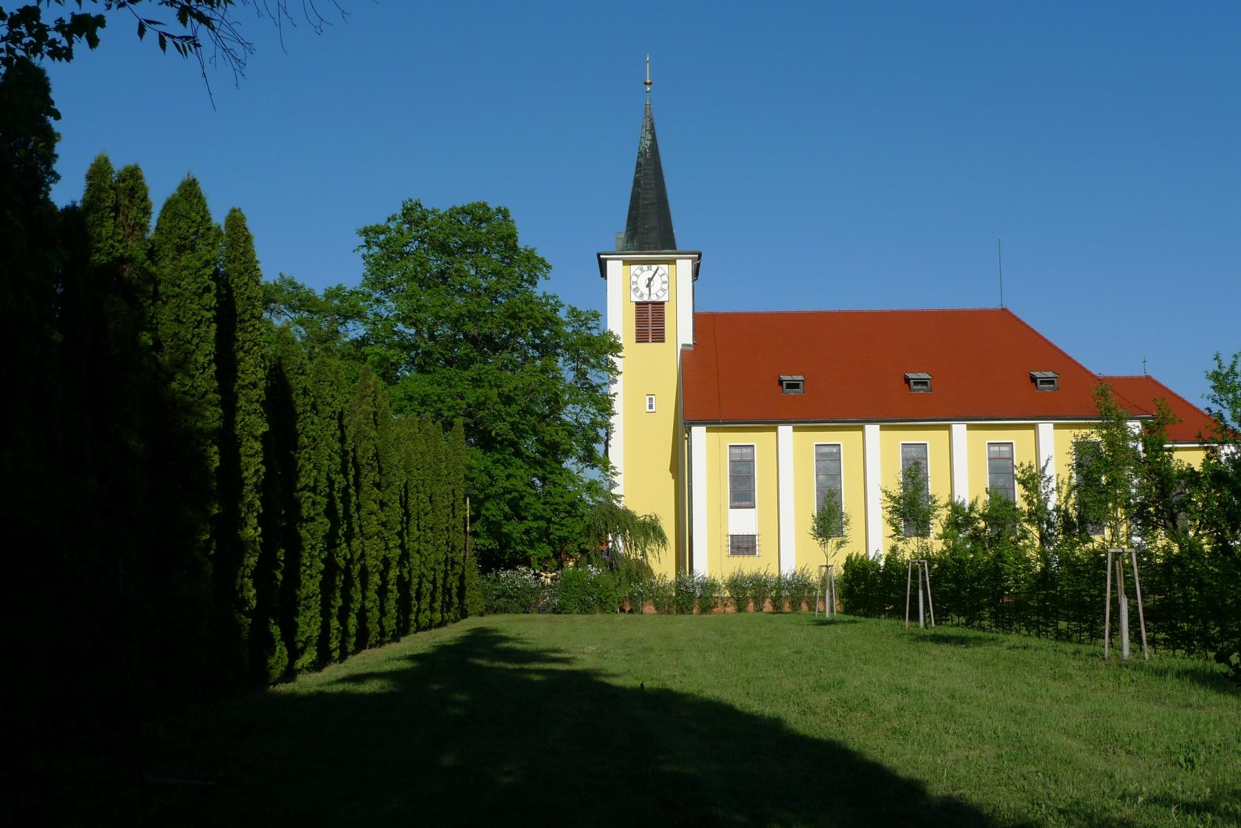 Kostel-a-okolí-9